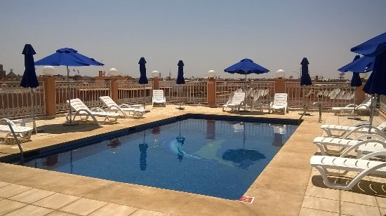 Hotel racine updated 2018 reviews price comparison for Piscine b24