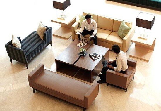 Courtyard Shanghai Central: Lobby Sitting Area