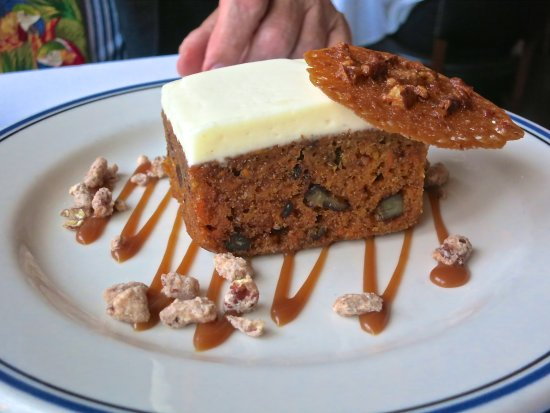 Harbor House: Carrot cake had great flavor