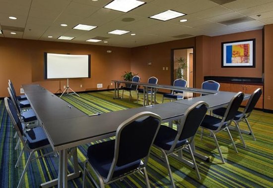 Fairfield Inn & Suites Charleston Airport/Convention Center: Meeting Room - U-Shape Setup