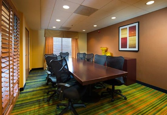 Fairfield Inn & Suites Charleston Airport/Convention Center: Boardroom