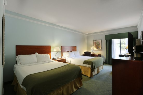 Holiday Inn Express Tampa North - Telecom Park: Queen Bed Guest Room