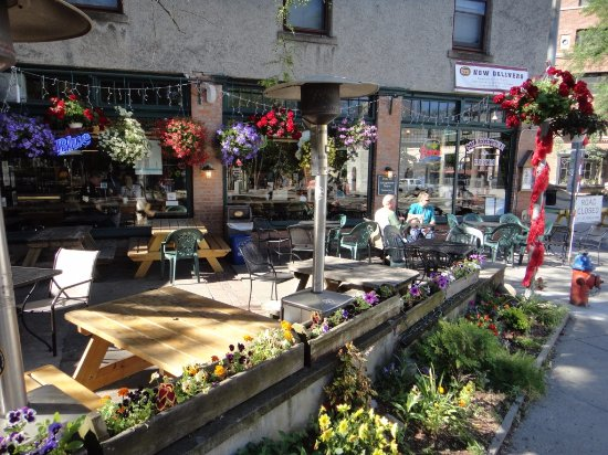 Collegetown Bagels: the outside patio seating