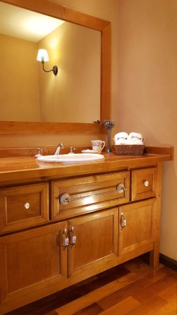 El Nautico Bungalows & Suites: Antebaños de calidad.