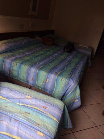San Rafael Hotel: Apartamento triplo, a cama de casal é extremamente grande, muito boa!