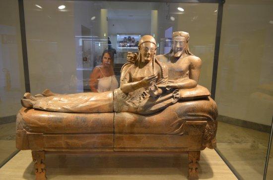 Museo Nazionale Etrusco di Villa Giulia : Sarcophagus of the spouses.