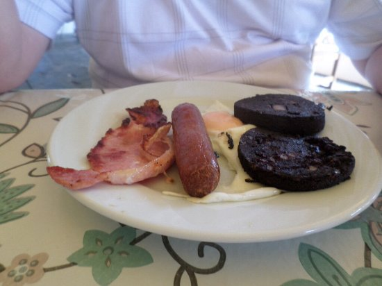 The Cosy Corner: Cosy mini breakfast ( with black pudding, minus beans and tomatoes)