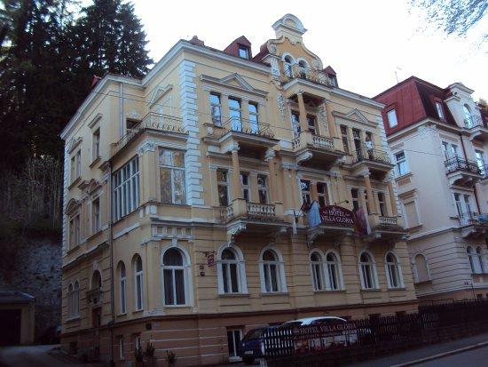 Hotel Villa Gloria Marienbad: foceno k večeru