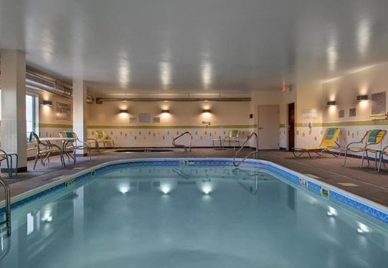 Fairfield Inn & Suites Fort Worth I-30 West Near NAS JRB: Indoor Pool