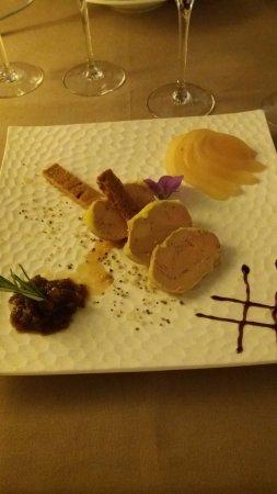 Gincla, Γαλλία: Foies gras au pain d'épices et poires caramélisées
