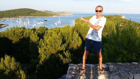 Zirje Island, Croacia: 20160630_194027_large.jpg