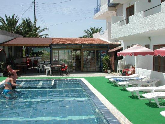 Hotel Kastelli: pool