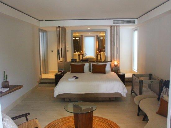 Shangri-La's Le Touessrok Resort & Spa, Mauritius: Inside our suite