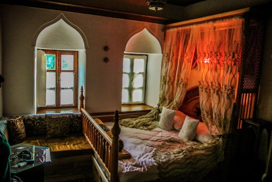 Bosnian National Monument Muslibegovic House Hotel: Lovely room