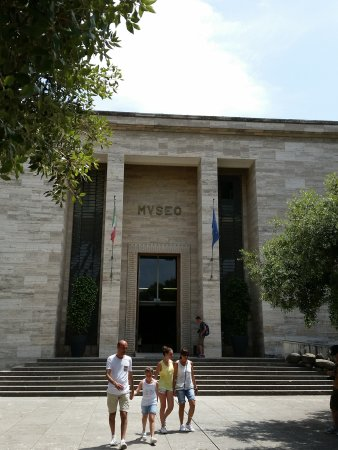 Museo Archeologico Nazionale di Paestum : Museum entrance