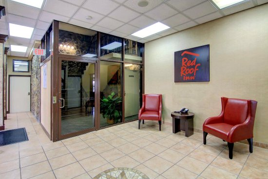 Red Roof Inn Atlanta -Six Flags: Entry Sitting Area