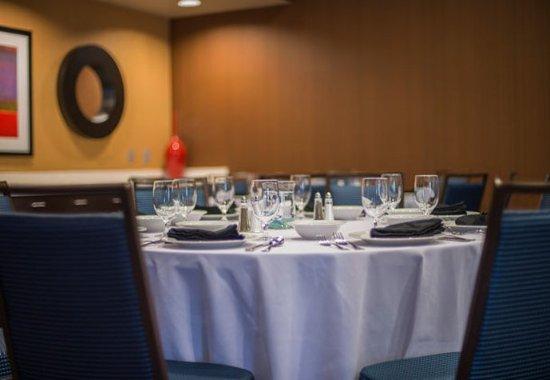 Columbus, Mississippi: Castleberry Meeting Room – Banquet Details