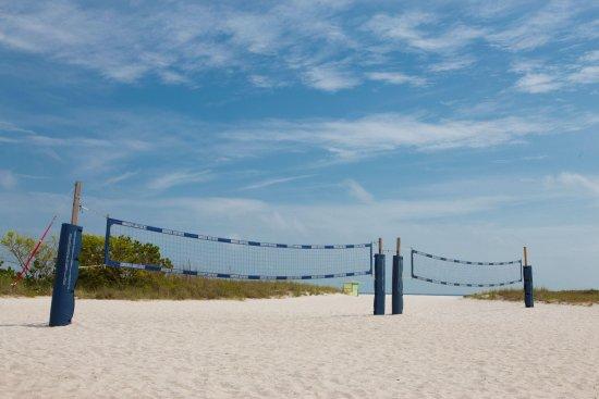 Postcard Inn on the Beach: Volleyball Nets