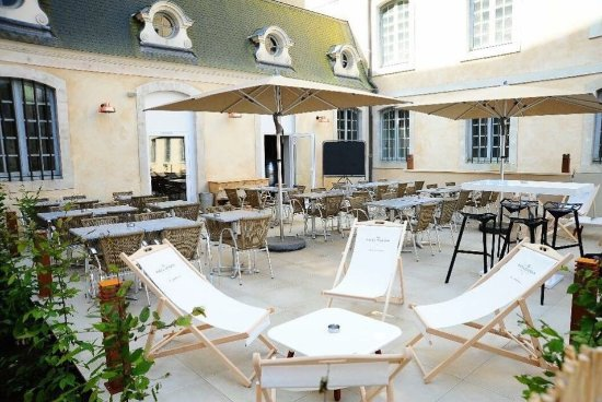 Terrasse ext rieure picture of l 39 office bar brasserie - Restaurant terrasse jardin toulouse le mans ...