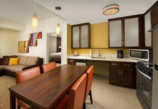Murfreesboro, TN: Two-Bedroom Suite