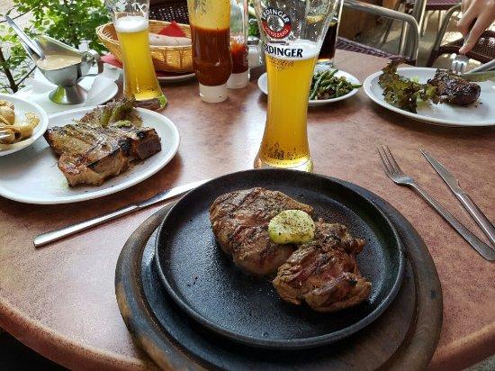 gemischter salat mit hausdressing bild von steakhouse san diego berlin tripadvisor. Black Bedroom Furniture Sets. Home Design Ideas