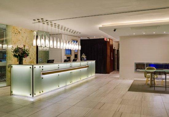 Protea Hotel Fire & Ice Cape Town: Reception Desk