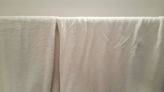 Antiq Palace Hotel & Spa: Hole in pillowcase, old threadbare towels, old re-hung towels.