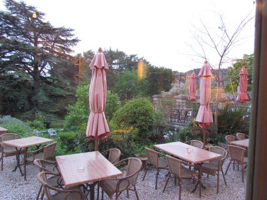 Lauret, Prancis: Die Terrasse am Morgen