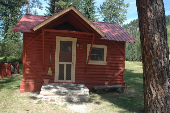 De Borgia, MT: Rustic cabins with full amenities