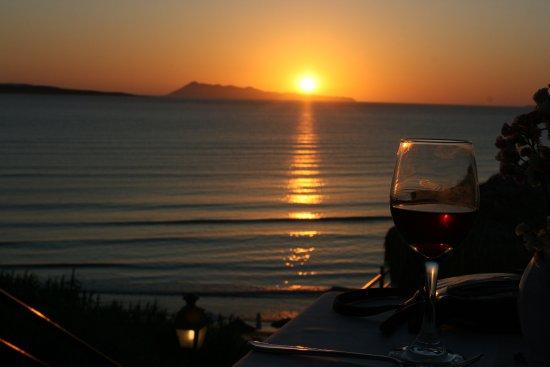 Delfino Blu Boutique Hotel: Sun set in June 2016
