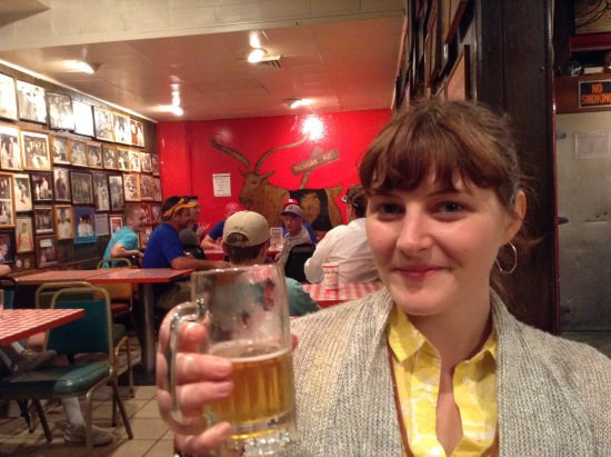 Chicago Detours : Me in the Billy Goat Tavern at the start of the tour