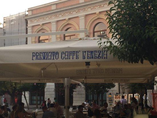 Picture of nuovo premiato caffe 39 venezia for Nuovo arredo monopoli