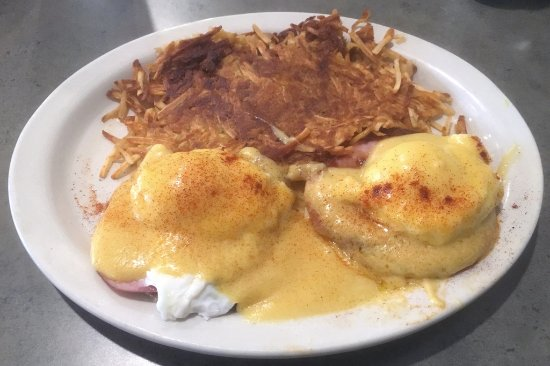 East Rochester, NY: Eggs Benedict and hashbrows
