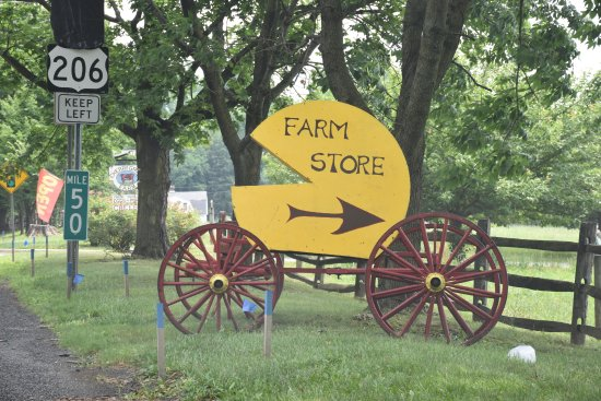 Lawrenceville, NJ: Cherry Grove Farm :  Front Entrance Sign