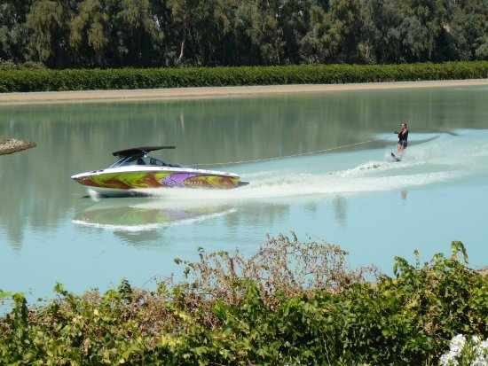Galt, CA: Centurion Carbon Pro Tournament Ski Boat