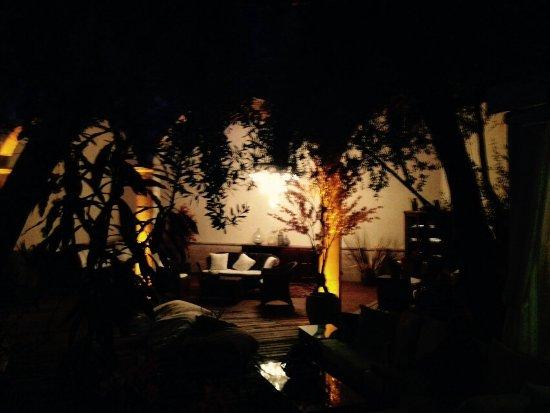 Jade Residence: Evening lounging