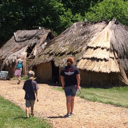 SunWatch Indian Village/Archaeological Park: Loved it!!  We attended the Keeping the Tradition Pow Wow on June 26, 2016 at SunWatch Indian Vi