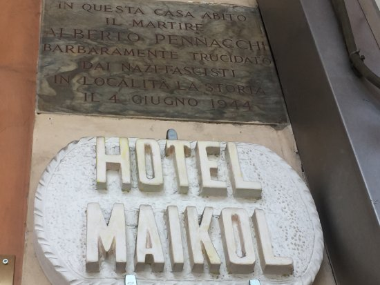Hotel Maikol Rome: Maikol Luxury Guesthouse Entrance sign