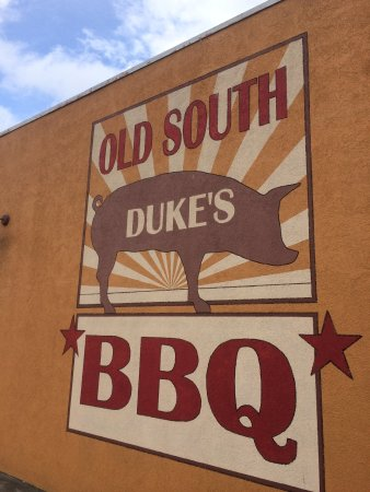 Duke's Old South BBQ: Great logo!