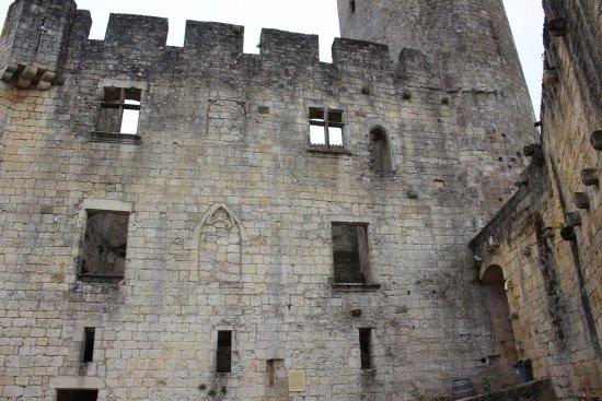 Rauzan, Frankrike: castle