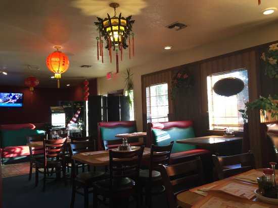 Woodlake, CA: New China Interior