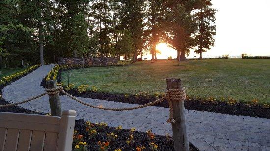 The Lodge at Geneva-on-the-Lake: 20160630_204213_large.jpg