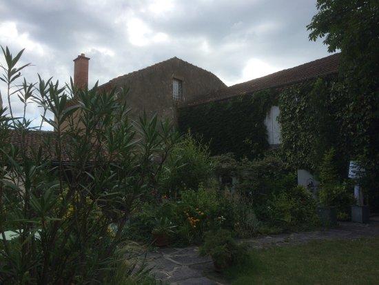 Perrier, France : photo2.jpg