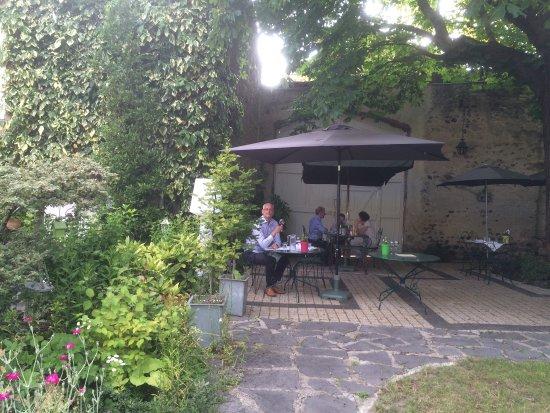 Perrier, Francia: photo3.jpg