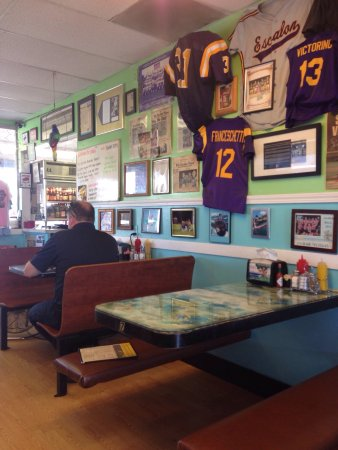 Escalon, CA: Great little diner!! Delicious Denver Omelet and French Dip sandwich. Waitress was super friendl
