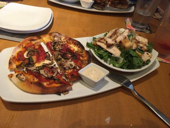 California Pizza Kitchen Bay Street Emeryville