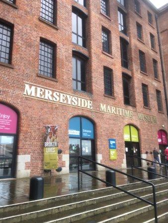 Merseyside Maritime Museum : photo0.jpg