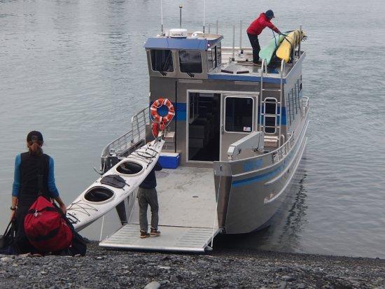Kayak Adventures Worldwide - Day Trips: Water taxi