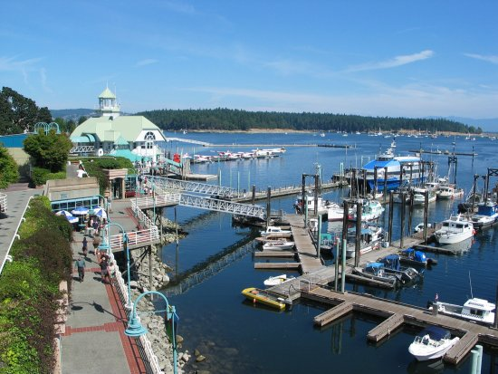 Nanaimo, Canada: The harbour, the restaurant, the island,