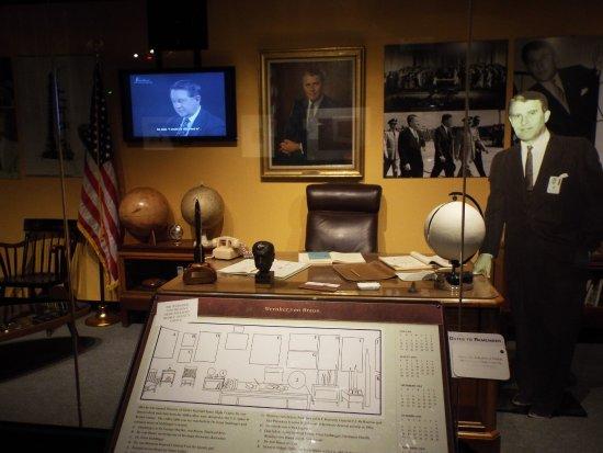 Huntsville, AL: von Braun;s office